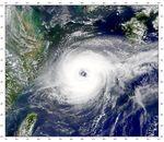 Tifón Jelawat en el mar de China Oriental