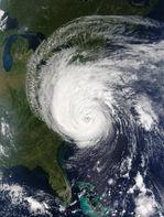 Huracán Isabel encima de la costa este de los Estados Unidos